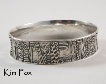 7 inch Doodle Bangles in Silver for petite size hand Zentangle designs around the bangle random pattern made by Kim Fox