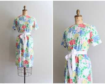 preppy summer sheath dress - hydrangea print dress / Margaret Smith - 80s preppy boutique label / vintage floral print dress