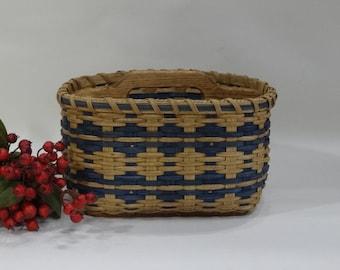Paper Plate- Silverware Basket / Divided Basket / Organizer Basket / Handwoven Basket
