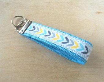Fabric wristlet keychain, key fob - Nesting Leaves