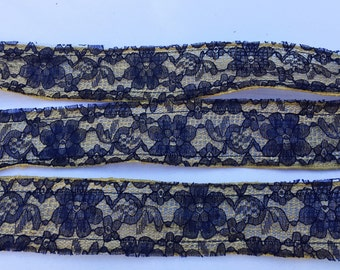 Burlap Ribbon with Navy Blue Lace, Wired Burlap Trim, Jute Ribbon, 2 Inches Wide