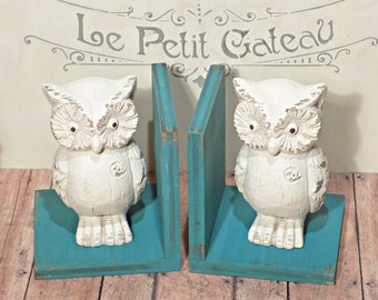 Tall Owls Figurines Set of Bookends//Available in a Variety of Colors//French Country//Farmhouse Decor//Owl Book Ends//Birthday Gifts