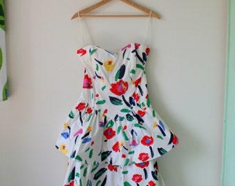 Vintage MOD FLOWER Shift Dress..size medium...1980s dress. retro. garden party. bright. colorful. floral dress. day dress. prom. 80s party