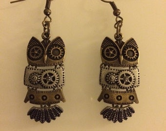 ONLY ONE!! Steampunk Owl earrings.