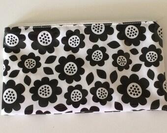 Dishwasher-safe reusable washable snack bag b/w flowers