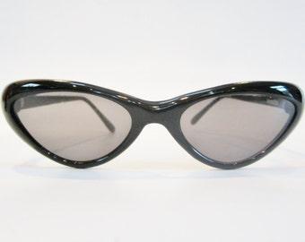 Vintage Cat Eye Sunglasses by Velvet Eyewear ITALY
