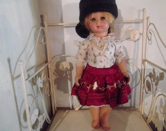 antique PORTUGUESE doll in traditional ethnic dress,  NAZARE, seven skirts, 1950s, vintage, folk, traditional