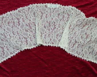 Pretty Vintage Lace Scarf, Beverly Jeanne Label, 8 1/2 x 31""