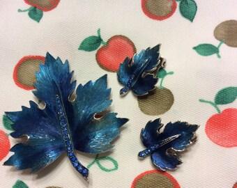 Pretty Vintage Set of Earrings & Pin in Blue Metallic Paint