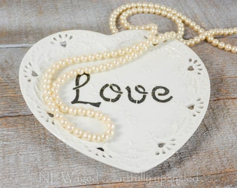 Jewelry display, jewelry dish, ring dish, Wall plaque, Decorative wall plate, heart shaped, hand painted words love