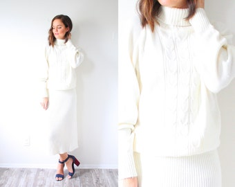 Vintage white knit sweater dress // turtle neck // cream oversized knit winter warm sweater dress // christmas sweater // cable knit dress