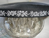 """White Flowers Embroidered Ribbon Woven Edge black Jacquard 7/16"""" Cool Trims sewing crafts costume Novelty Ribbon"""
