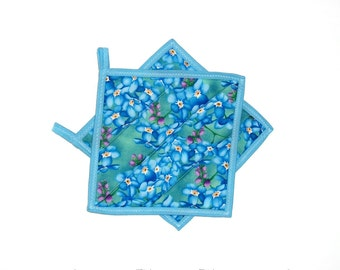 Quilted Pot Holders, Forget Me Not Flowers, Blue Cottage Chic Decor, Hot Pads, Kitchen Decor, Set of 2