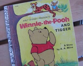 Winnie the Pooh and Tigger - A Little Golden Book - Walt Disney Presents