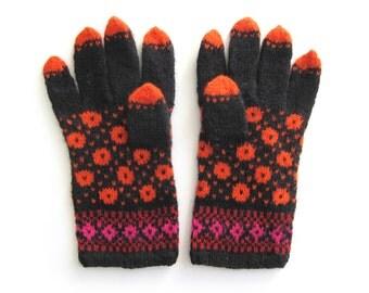 Fun Fair Isle Gloves hand knit in wool. Size M.
