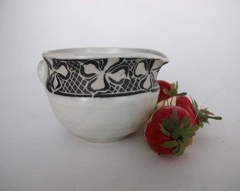 Mixing bowl, Batter Bowl, Omelet Bowl, Pottery Bowl, Decorated Mixing Bowl, Pouring Bowl