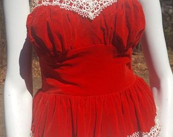 Strapless red velvet party dress with full white tulle