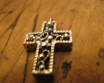 Unmarked silver Cross pendant / charm pewter tone