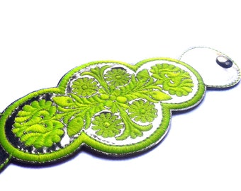 Embroidered bracelet with Hungarian folk motive