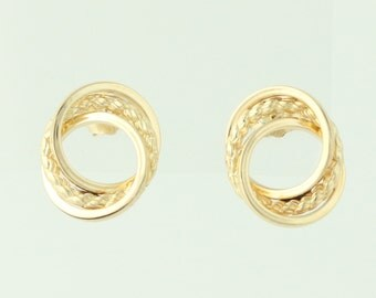 Intertwined Circle Earrings - 14k Yellow Gold Textured Pierced Q4585