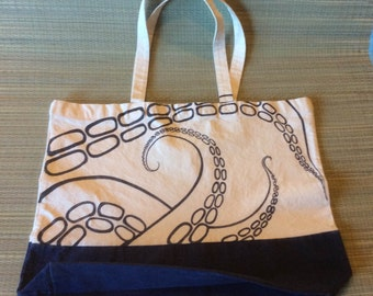 Tentacle Tote,  OOAK, Canvas Beach Bag, with magnetic snap and pleated bottom. By Elstwhen