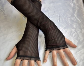 Black purple colorshift Arm Warmers Fingerless Gloves Sleeves - Pixie Dust -  Wine mesh fishnet goth gothic lolita berry vampire burlesque