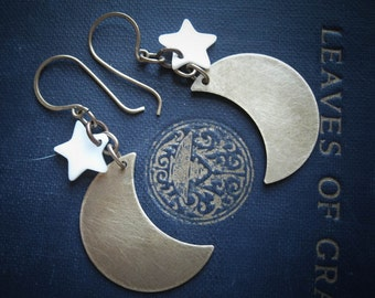 Crescent Moon and Star Earrings in Brass. Mana Moons