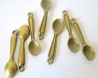 10 Antique Bronze Spoon Charms 24x6mm  (b302)
