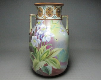 Nippon vase , M in a wreath logo , hand painted , beading , angular handles , M in wreath mark used 1911 - 1921 Morimura