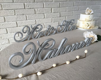 Script Letters table sign Name Sign Custom wedding Family sign Personalized sign Mr & Mrs NAME wood sign