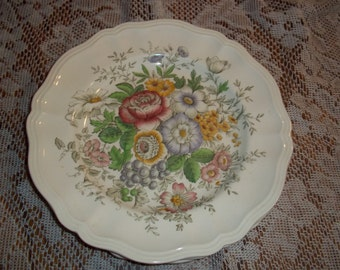 """3 Lot collection, Royal Doulton Malvern dinner plates D6197 made in England 10 1/2"""" Roses"""