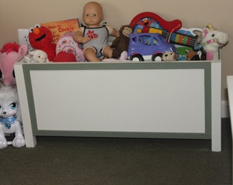 Toy Box, Antique White w/ Basil Trim