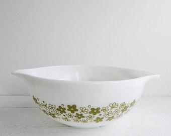 SALE Vintage Pyrex Spring Blossom Cinderella Bowl - Glass Mixing Bowl 443 2.5 Quart