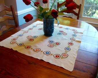 Tablecloth  Tea Cloth Floral Embroidery Vintage Table Topper