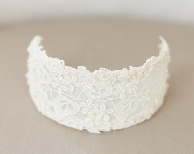 Bridal Headband, Vintage Ivory Bridal Headpiece, Lace Bridal Cap, Ivory Lace Crown, Princess Grace, Ivory Veil Cap, Wedding Cap Headpiece