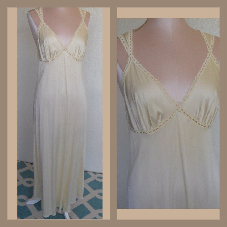 Vintage Vanity Fair Nightgown 83