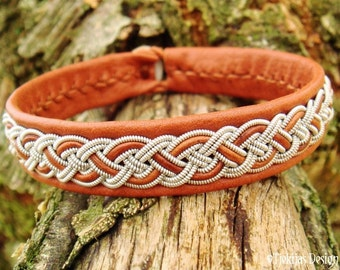 Sami Bracelet NIFLHEIM Lapland Viking Cuff Bracelet in bark tanned Cognac Reindeer Leather with Tin Thread braid and Antler button