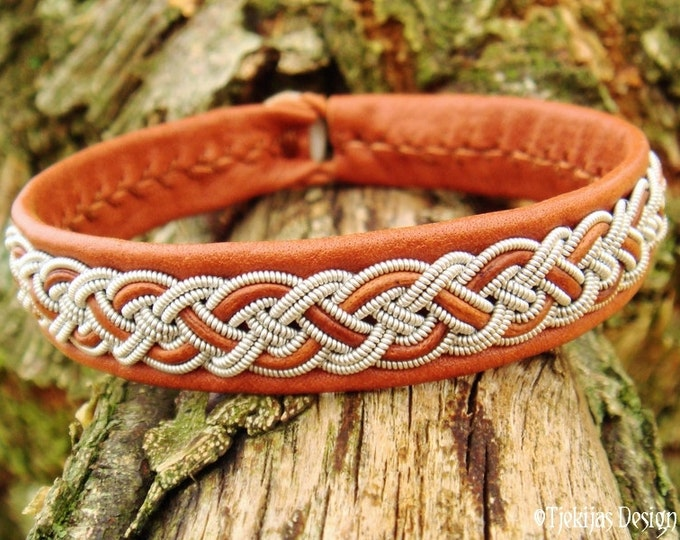 Sami Bracelet NIFLHEIM Lapland Viking Cuff Bracelet in bark tanned Cognac Reindeer Leather with Tin Thread braid and Antler button