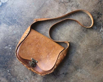 Vintage All Leather Bag / Tooled Leather Bandit Purse / Honey Brown Wanda Handbag