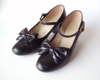"""Vintage """"Coast"""" Ladies Square Dance Shoes, Size 5 Medium"""