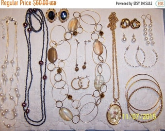 20 OFF EVERYTHING Vintage Jewelry (Lot 120). Big and medium.