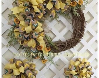 Spring/Summer Mini Daisy Grapevine Wreath W/Bows