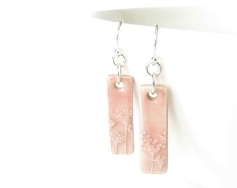 Pink clay earrings with textured coriander print, ceramic dangle earrings in pastel pink, stoneware earring gift for friend's birthday
