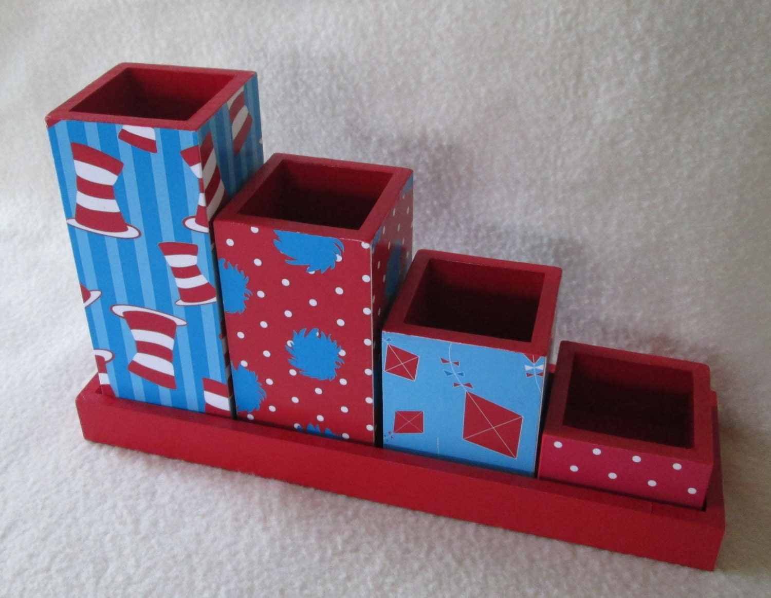 Desk organizer desk set pencil cup holder set dr seuss - Desk organizer sets ...