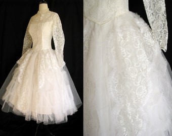 True Vintage 1950s White Wedding Dress - Tea Length Lace & Crinoline - Cupcake Dress - Med