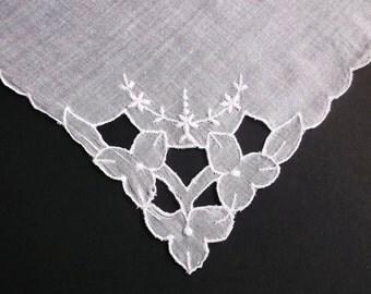 Linen Handkerchief, Vintage, Embroidered Wedding Handkerchief, Madeira, Wedding Hankerchief, Floral Hankie, White, All Vintage Hankies