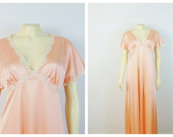 Vintage Nightgown 40s 50s Mistee Satin Bias Cut Nightgown Peach Satin Negligee Old Hollywood Nightgown Modern Size M