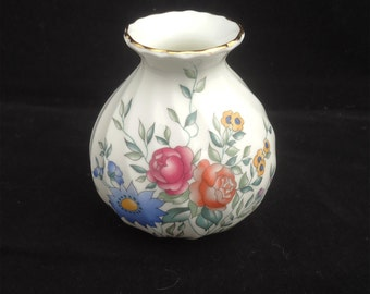 Vintage Wedgwood Bone China Vase, Avebury Bud Vase, Vase by Wedgwood