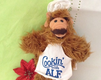 Alf hand puppet - Alien puppet - Cookin with Alf - Retro TV - Gag Gift - plush - Burger King Alf - 1980s - nostalgia - many faces of Alf