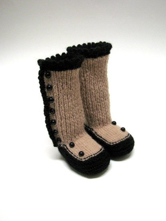 Knitting Patterns For Old Fashioned Slippers : Knitted Baby Booties...Old Fashioned by RozelynnsNeedleArt ...
